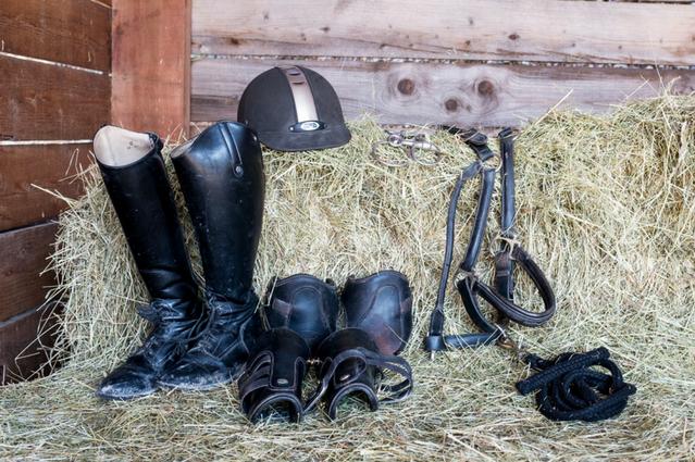Nettoyer le matériel d'équitation